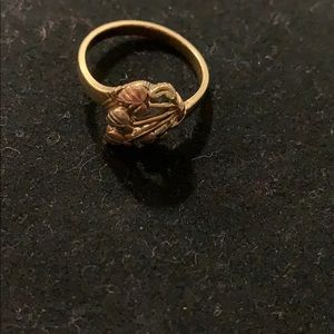 10K Gold Heart Leaf Pattern Ring